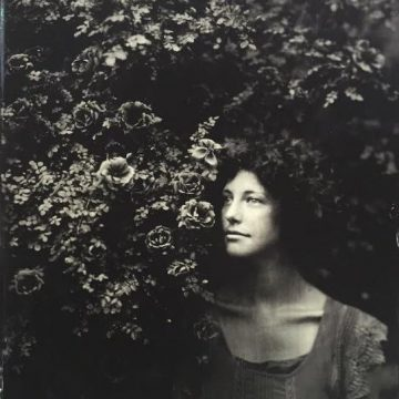 kristen hatgi photo with flower bush